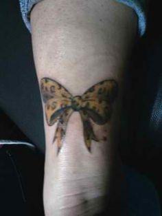 tatouage noeud leopard couleur Tatouage Noeud, Couleur, Arc Tatouages,  Tatouages Au Poignet,