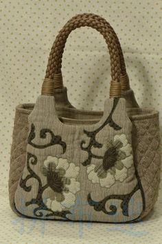Lovely DIY handbag!