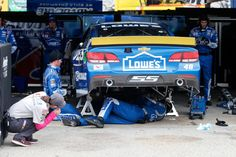 Jimmie Johnson in chase trouble after early problems at Dover