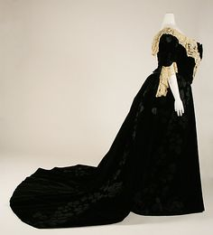 Black and White Worth Evening Dress, 1897-1900. Side.