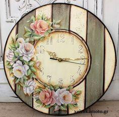 Clock with decoupage and wood effect Primavera dorata 1