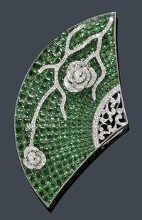 Brooch with Tsavorite Diamonds http://www.pinterest.com/bobbyloulou/fans-umbrellas-parasols-bags/