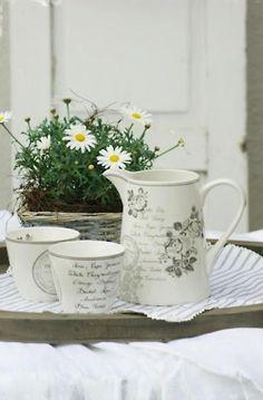 GreenGate stoneware Dora White