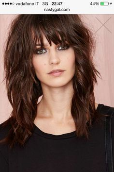 the best way to skinny face with quick and medium hair dazhimen bobsforthinhair 815925657474044147 Medium Shag Haircuts, Long Shag Haircut, Edgy Long Haircuts, Shaggy Haircuts, Lob Haircut, Haircut Styles, Medium Hair Cuts, Medium Hair Styles, Curly Hair Styles