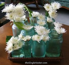 A simple way to make blue jars using Elmer's Glue, food coloring and water.  Pretty easy!