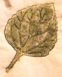 Lynda from Bloom, Bake and Create has an interesting method for creating leaves on fabric. It involves tape and a hammer. She says what you end up with can be used in a wall hanging or appliqued o… How To Dye Fabric, Fabric Art, Fabric Design, Fabric Painting, Shibori, Fabric Postcards, Bloom, Quilting Tutorials, Art Tutorials