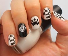 Inspiring Winter Nail Art Designs