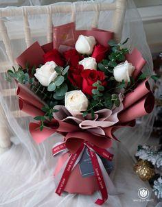 Boquette Flowers, Flower Bouqet, Money Flowers, How To Wrap Flowers, Beautiful Bouquet Of Flowers, Luxury Flowers, Floral Bouquets, Beautiful Flowers, Bouquet Wrap