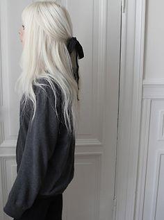white dyed hair with black ribbon  -tumblr    c o o l m o r n i n g