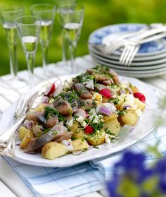 Lantliv Bitte E:son Forsberg Midsommar Crawfish Party, Summer Barbeque, Swedish Recipes, Recipes From Heaven, Bon Appetit, Summer Recipes, Pasta Salad, Potato Salad, Sushi