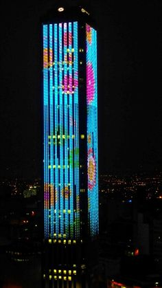 El rascacielos más alto de Bogotá, Colombia - sididom Colombian Art, Colombia South America, Facade Lighting, Colombia Travel, Country Landscaping, Amazing Buildings, The Beautiful Country, World Cities, Cool Landscapes