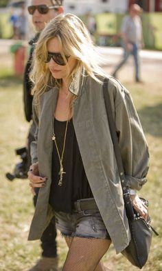 Kate Moss In A Perfect Festival Parker At Glastonbury Festival, 2010