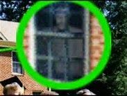 paranormal and psychic happenings: REAL GHOST photos Real Ghost Photos, Ghost Pictures, Creepy Pictures, Ghost Pics, Haunted House Stories, Haunted Houses, Ghost Caught On Camera, Haunted Happenings, Best Ghost Stories