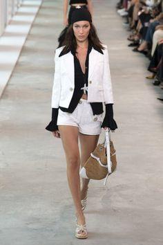 Sfilata Michael Kors Collection New York - Collezioni Primavera Estate 2019 - Vogue Vogue, Michael Kors Collection, Milan Fashion Weeks, Suit Fashion, Runway Fashion, Ladies Fashion, Fashion Show Collection, Bella Hadid, Spring Summer Fashion