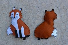 This red fox is my first attempt at a non-bird pattern. He's inspired by the fox that visits Downeast Thunder Farm all too often. This guy is a friendly looking fox. However, my advice to you… Felt Animal Patterns, Bird Patterns, Stuffed Animal Patterns, Cool Patterns, Felt Fox, Wool Felt, Book Crafts, Felt Crafts, Diy Crafts