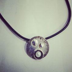 Colgante plata y perla cultivada. Precio 29€ eltrebolde4@gmail.com
