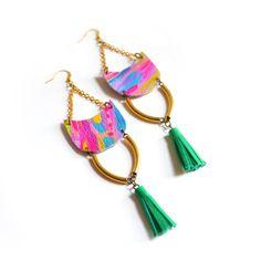 Emerald Fringe Leather Earrings Neon Tribal par BooandBooFactory