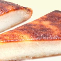 Gerecht printenOok zo'n zin in een lekkere Wingko Babat/kokoskoek? Lekker zoete koek om je vingers bij af te likken! Wat je nodig hebt om een kokoskoek te maken: 200 gram gemalen kokos 1 zakje vanillesuiker 200 gam ketanmeel 2 grote eieren 100 gram basterdsuiker(wit) 50 gram Suiker zout naar smaak Hoe maak je dit recept … Indonesian Desserts, Indonesian Cuisine, Indonesian Recipes, Asian Recipes, Sweet Recipes, Snack Recipes, Low Fat Fryer, Pandan Cake, Cold Cake