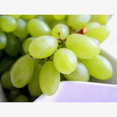 Porcja witamin w postaci winogron 🍇 . . Portion of the vitamin. Grape 🍇