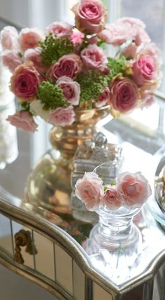 Frontgate loves hints of romance… (and the reflection of pink roses on our Marilyn Vanity Table's mirrored surface certainly constitutes romance)