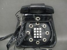 shopgoodwill.com: Vintage Phone Purse Sold for $23