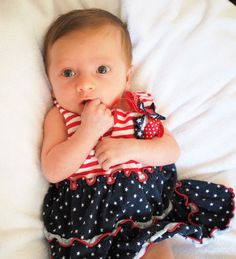 4th of July baby photo, one month old; baby photography