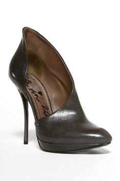 OMFG!  This Lanvin shoe is perfection!
