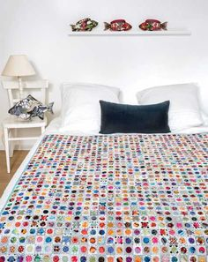 Mieke Duyck-Making Happy Quilts – modèle et patron quilt -Scrappy Coins Patchwork Chair, Circle Quilts, Make Happy, Applique Quilts, Paper Piecing, Quilt Patterns, Kids Rugs, Coins, Cool Stuff