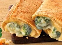 Grab this fast, diet friendly lunch and keep your weight loss on track. A high-fiber, whole grain pastry pocket is stuffed with broccoli and cheddar cheese. Diet Recipes, Healthy Recipes, Cheesy Recipes, Food To Go, Frozen Meals, Broccoli And Cheese, Fresh Fruits And Vegetables, Cooking Instructions, Melted Cheese