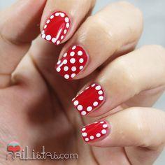 Polka Dots Nail Art | Nail Art con Lunares