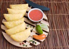 Empanadas de carne #El Kiosco Cantaloupe, Wordpress, Fruit, Food, Beef Pies, The Fruit, Meals, Yemek, Eten