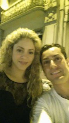 LAS CADERAS TABASCO: Nuevas Fotos: Shakira y Gerard en Barcelona (24/07...