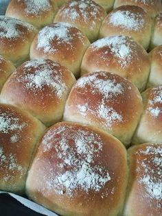 Perunalla on ihana taipumus tehdä sämpylöistä superpehmoisia. Taikinan voi ja kananmuna antaa myös hieman briossimaisen vivahteen säm... Bread Recipes, Cooking Recipes, Cooking Tips, Savory Pastry, Delicious Donuts, Bread Rolls, Breakfast Time, Daily Bread, Sweet And Salty