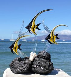 Moorish Idol Angelfish glass sculpture by MauiGreenstone on Etsy Blown Glass Art, Fused Glass Art, Sculpture Art, Sculptures, Angel Fish, Glass Artwork, Jelly Belly, Glass Figurines, Beach House Decor