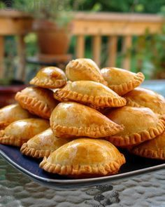 Recipes for empanadas mendocinas, It's what Hunter asked for for dinner tonight - trying something new! We have never made empanadas from scratch before. I Love Food, Good Food, Yummy Food, Tasty, Mexican Food Recipes, Beef Recipes, Cooking Recipes, What's Cooking, Yummy Recipes