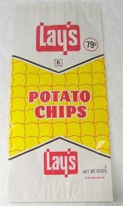 Prop idea for Chip on Shoulder, as large people usually eats lots of chips and, considering i think the play is set in the or this vintage chip bag is appropriate Vintage Candy, Retro Vintage, Retro 2, Retro Food, Vintage Food, Retro Recipes, Vintage Recipes, Retro Advertising, Vintage Advertisements