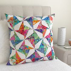 Sew Cushions Confetti Cushion - Tula Pink All Stars Pattern by Tied with a Ribbon - Tied With A Ribbon Star Quilt Blocks, Star Quilt Patterns, Patchwork Cushion, Quilted Pillow, Small Quilts, Mini Quilts, Tula Pink Fabric, Quilt Modernen, Sewing Pillows