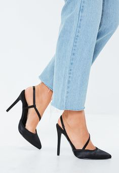 Put your best foot forward in a brand new pair of women's shoes from Missguided. Take your pick of heels, flats, sneakers and more! Pink Court Shoes, Fancy Shoes, Shoes Uk, Grey Shoes, Formal Shoes, Super High Heels, Handbag Stores, Shoe Collection, Loafer Shoes