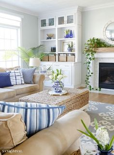 Blue and White Spring Living Room Tour - Sand and Sisal This Blue and White Spring Living Room Tour will show you how to incorporate this classic color scheme and decor elements in a fresh, relaxed and updated way for spring. Coastal Family Rooms, Coastal Bedrooms, Coastal Decor Living Room, Decor Room, Room Art, Wall Decor, Home Living Room, Living Room Designs, Shelving In Living Room