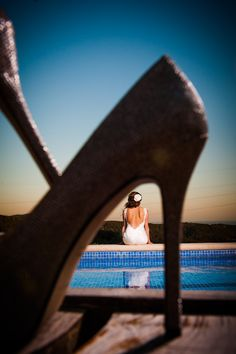 JLK: tell emily to take pic at this angle... pretty artistic! Bride's shoes