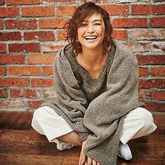 【EFFE BEAMS】「エクラ掲載」亜希、この亜希はほんのり女らしく | 集英社公式サイトのFLAG SHOP(フラッグショップ)は人気ブランドや限定コラボ等、雑誌で話題の商品が毎週入荷するファッション通販サイト!