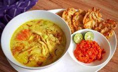 Resep Soto Ayam Santan Indonesian Cuisine, Creative Food, Allrecipes, Guacamole, Hummus, Curry, Frozen, Food And Drink, Menu