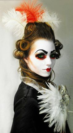 Kinda creepy but super cool for Halloween :) Fx Makeup, Hair Makeup, Make Up Art, How To Make, Avant Garde Hair, Robert Mapplethorpe, Fantasy Makeup, Costume Makeup, Face Art