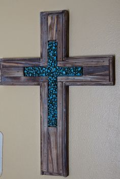 My Blissful Space - Budget-friendly solutions for creating an organized, beautiful, and naturally healthy home. Decorative Crosses, Wooden Crosses, Crosses Decor, Vbs Crafts, Crafts To Sell, Wood Crafts, Wood Artwork, Sign Of The Cross, Chip Carving