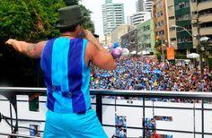 Netinho no seu Trio Elétrico no Carnaval de Salvador 2012. Em  Salvador/BA.