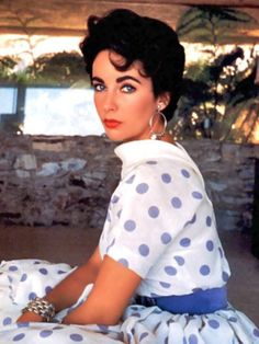 The 34 Best Brunette Beauties of All Time: From Audrey Hepburn to Beyoncé – Vogue - Elizabeth Taylor