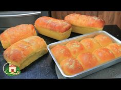 PÃO DE MILHO DE LIQUIDIFICADOR SUPER MACIO- OLHA QUANTOS PÃES EU FIZ /RENDE MUITO ( BREAD) - YouTube Portuguese Sweet Bread, Indian Food Recipes, Ethnic Recipes, How To Make Bread, Hot Dog Buns, Carne, Nom Nom, Food And Drink, Cooking Recipes