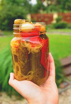 Pickles, Mason Jars, Salads, Food And Drink, Drinks, Recipes, Boots, Home Canning, Drinking