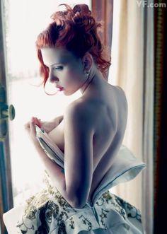 Scarlett Johansson by Annie Leibovitz http://www.vanityfair.com/culture/features/2011/12/the-year-in-photos-201112