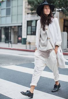 office-look-all-white-com-calca-baggy
